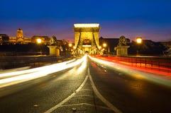 El puente de cadena y Buda Castle de Széchenyi en Budapest, Hungría Imagen de archivo