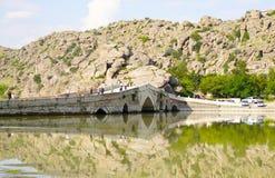 El puente de Cesnigir es un puente de piedra arqueado multi en el río de Kizilirmak foto de archivo libre de regalías