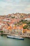 El puente de Dom Luise del puente del arco entre la ciudad de Oporto y la ciudad de Vila Nova de Gaia Fotografía de archivo libre de regalías