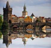 El puente de Karl en Praga Imagen de archivo libre de regalías