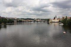 El puente de Karl en Praga Imagenes de archivo