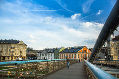 El puente de Kladka Bernatka del amor con amor padlocks Fotografía de archivo