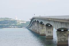 El puente de Kouri en OKINAWA Fotos de archivo libres de regalías