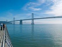 El puente de la bahía en San Francisco Foto de archivo
