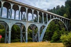 El puente de la cala del cabo en Florencia, Oregon fotografía de archivo