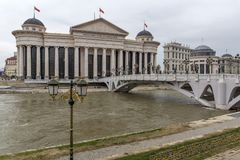 El puente de las civilizaciones y del museo arqueológico, el República de Macedonia Fotografía de archivo libre de regalías