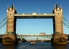 El puente de Londres todavía se está colocando Fotos de archivo libres de regalías