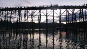 El puente de madera fotografía de archivo