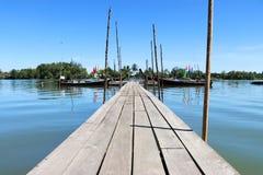 El puente de madera Fotos de archivo libres de regalías