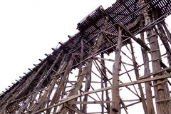 El puente de madera más largo de Tailandia Fotografía de archivo