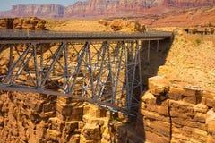 El puente de Navajo en el barranco de la cañada, Arizona fotografía de archivo libre de regalías