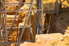 El puente de Navajo en el barranco de la cañada, Arizona imagenes de archivo