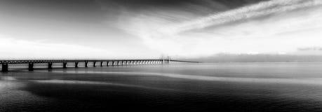 El puente de Oresund, bron de los oresunds foto de archivo