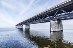 El puente de Oresund, bron de los oresunds fotografía de archivo