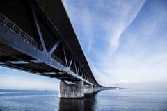 El puente de Oresund, bron de los oresunds fotos de archivo