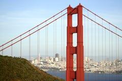 El puente de puerta de oro y el SF Imágenes de archivo libres de regalías