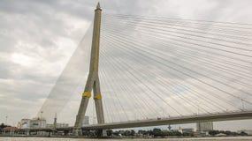 El puente de Rama VIII en Tailandia Foto de archivo libre de regalías