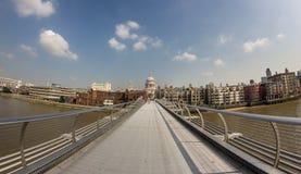 El puente del milenio Fotos de archivo