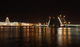 El puente del palacio Fotografía de archivo libre de regalías