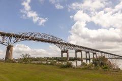 El puente del río de Calcasieu en Westlake, los E.E.U.U. foto de archivo libre de regalías