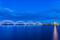 El puente ferroviario Imagen de archivo