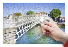 El puente más famoso de Dublín llamó el ` medio ` del puente del penique Imágenes de archivo libres de regalías