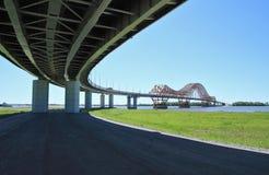 El puente moderno Foto de archivo