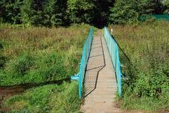 El puente para cruzar The Creek Fotos de archivo