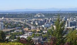 El puente Portland Oregon de Freemont. Fotografía de archivo