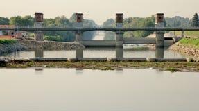 El puente reflejó en el río Brenta, Venecia, Italia Imágenes de archivo libres de regalías