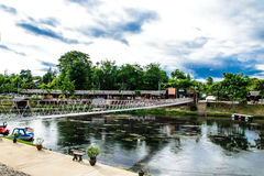 El puente va cruz el canal Foto de archivo