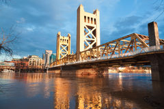 El puente viejo de Sacramento Fotos de archivo