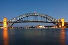 El puente y el teatro de la ópera del puerto de Sydney Fotografía de archivo