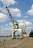 El puerto Cranes Amberes Imagen de archivo libre de regalías