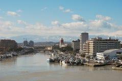 El puerto de la línea de costa y la playa de Pescara Imágenes de archivo libres de regalías