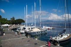 El puerto de Messina en un día soleado Fotos de archivo
