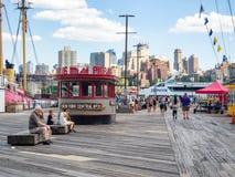 El puerto del sur de la calle en Manhattan céntrica fotografía de archivo
