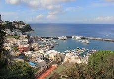 El puerto deportivo de Capri grande Foto de archivo libre de regalías