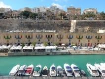 El puerto deportivo de La Valeta, Malta Fotografía de archivo