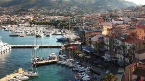 El puerto en Calvi en Córcega almacen de video