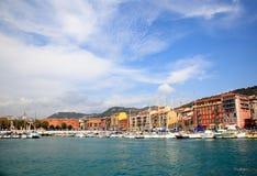El puerto en la ciudad de Niza Foto de archivo