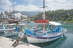 El puerto en Sissi, Creta Imagenes de archivo