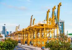 El puerto más ocupado del transbordo del mundo fotos de archivo libres de regalías