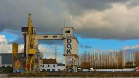 El puerto olvidado en Gante, fábrica abandonada fotos de archivo