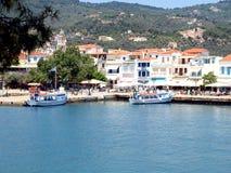 El puerto viejo, ciudad de Skiathos, Grecia Fotos de archivo