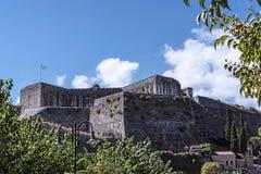 El puerto y la nueva fortaleza de Corfú en la ciudad principal da la bienvenida a trazadores de líneas de la travesía Imagen de archivo