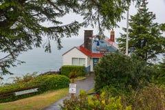 El puesto de observación en el cabo Foulweather, costa de Oregon, día lluvioso Imagenes de archivo