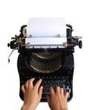 El pulsar en la máquina de escribir vieja Imagen de archivo libre de regalías