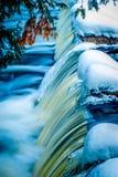 El punto álgido del enlace cae en invierno Imagen de archivo libre de regalías