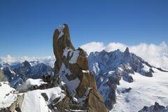 El punto Rebuffat del pico y de observación en la montaña remata la estación de Aiguille du Midi en las montañas francesas Fotografía de archivo